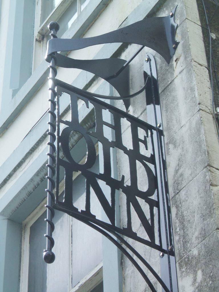 Dunfermline Kirkgate Old Inn After sign